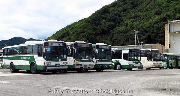 鞆鉄道N8-155 福山22く919 ニッサンディーゼルP-UA32L(富士重工業5E,1988年式)など 8月29日、新川営業所において