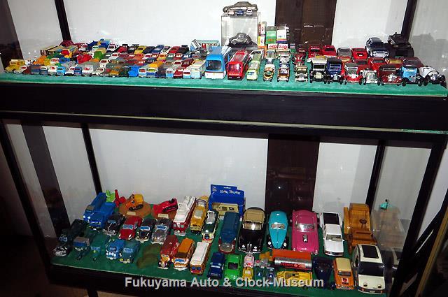 当館で展示開始した吉野弥久氏寄贈の自動車模型