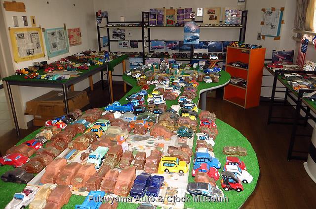 「吉野君のミニ自動車博物館」での自動車模型類展示状況