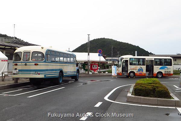 「井原市公共交通祭り」車両展示風景