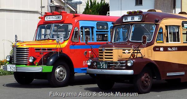 鞆鉄道のボンネットバス・いすゞBX341と当館の日野BA14 2017年4月16日撮影