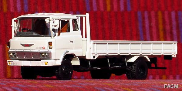 トミカリミテッドヴィンテージ NEO「LV-N162a 日野レンジャーKL545(白)」