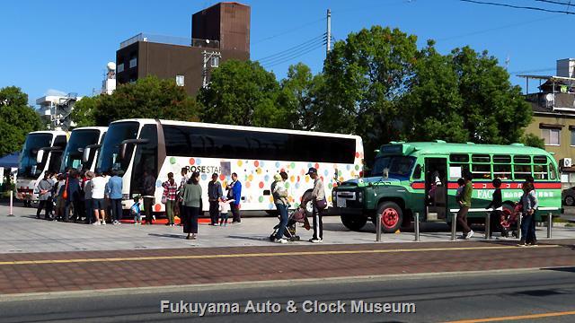 「中国バス100周年大感謝祭」での車両展示風景