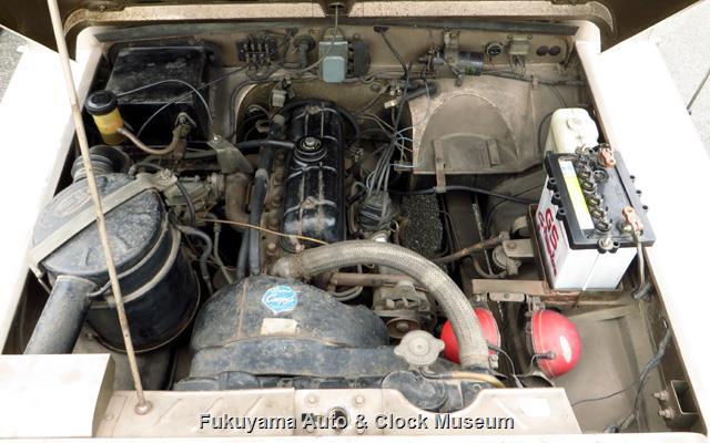 マツダX2000のエンジンルーム