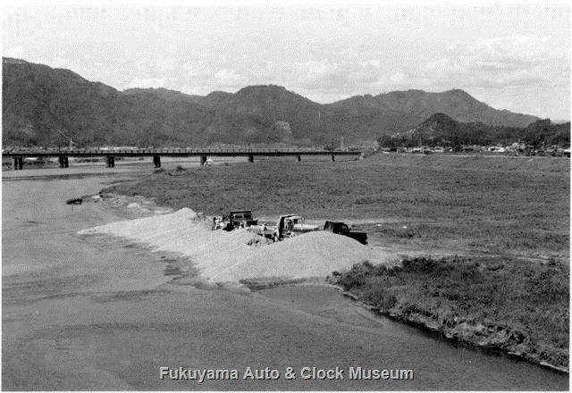 昭和32年 国道2号神島橋上より北向きに芦田川の景