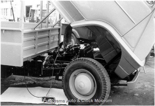 昭和34年3月発売のトヨエースSK20型 国産小型トラック初採用のチルトキャブ