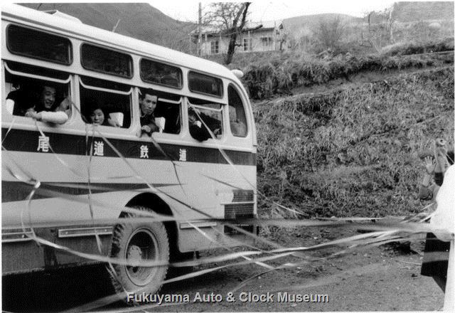 昭和34年 三瓶温泉の駐車場で撮影 尾道鉄道 広2あ5027 ミンセイRNA91/西日本車体工業 1959年式