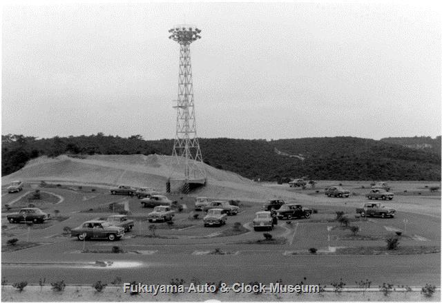 昭和33年8月 中部日本自動車学校 照明塔が聳える北西側コース 本館屋上から北向きの景
