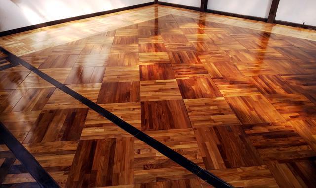 館内の床ブラッシュアップ