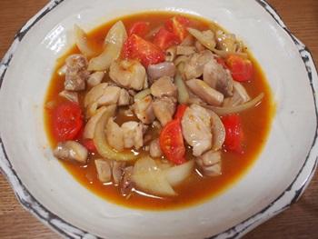 鶏肉とトマトの豆乳クリーム炒め