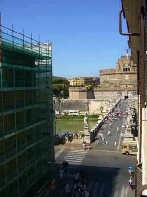 ローマの家の窓から2