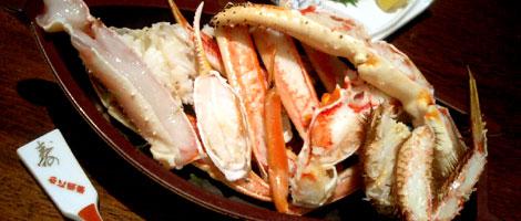 蟹の刺身や、かにの天ぷらでカニづくし