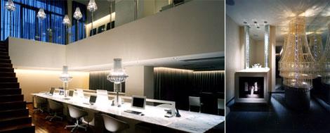 森田恭通のデザインオフィス・グラマラス、トイレにはシャンデリアが飾られている