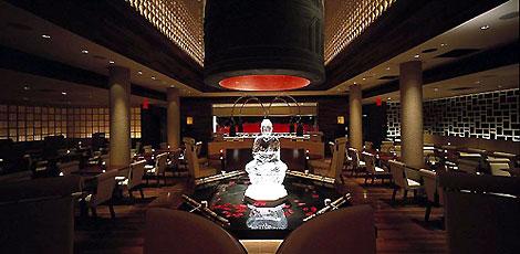 森田恭通設計ニューヨークのジャパーニーズレストランMEGUのインテリア
