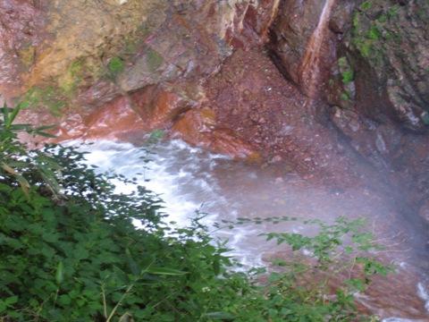ゴロゴロ滝