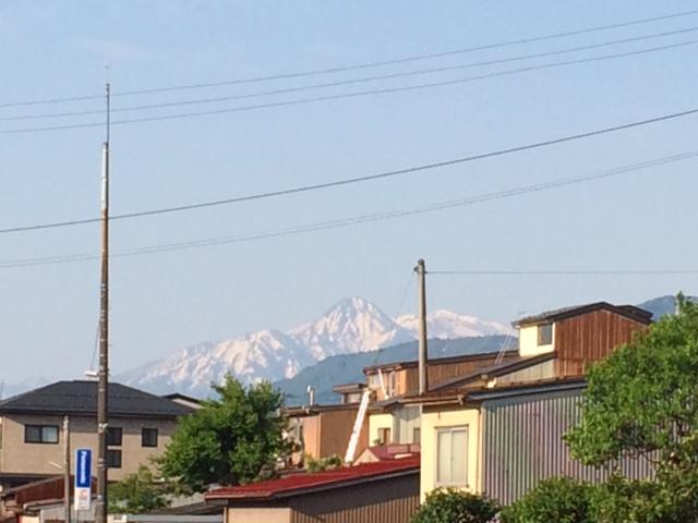 朝の妙高山