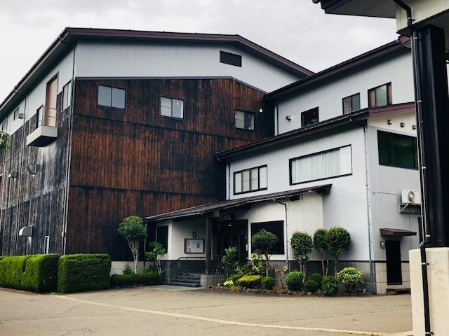 雪中梅丸山酒造場