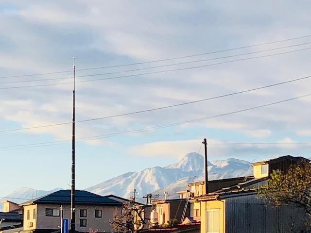 晴れの妙高山