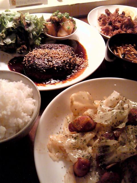 ハンバーグとキャベツ炒め&イイダコの唐揚げ