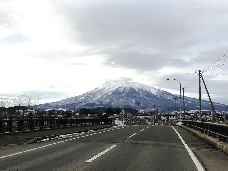 霊峰岩木山