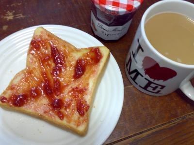 苺ジャムトーストと珈琲