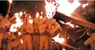 例年の火祭り