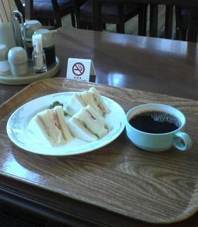 寮の朝ご飯(05-12-14)