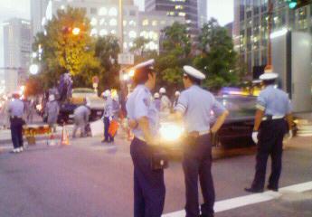 交通整理の警官&警備