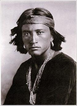 ナバホ族の青年
