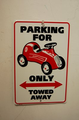 PARKING FOR ・・・・ ONLY