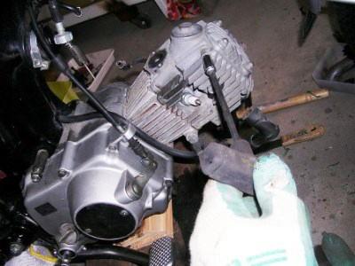 ヘッドが取れるとテンション更にアップです。そしてエンジンのシンプルさでまたビックリ。