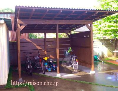 完成した自転車小屋。