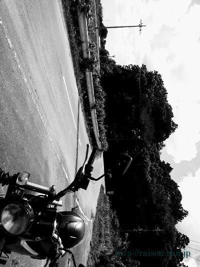 夏、空、田舎道。