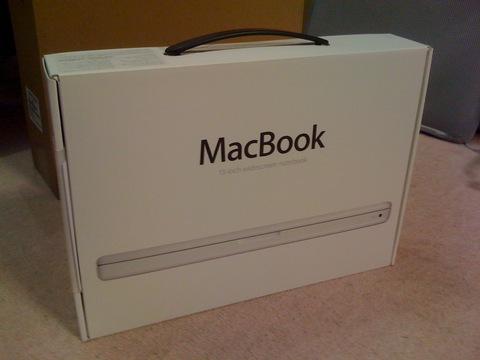 初Macなのぜ