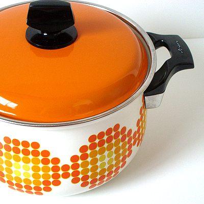 ノリタケの琺瑯鍋