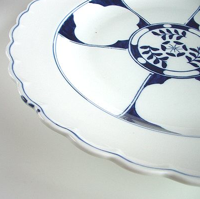古い時代の有田染付大皿