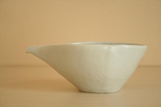 砥部焼・生石窯(西山千代子):色絵片口