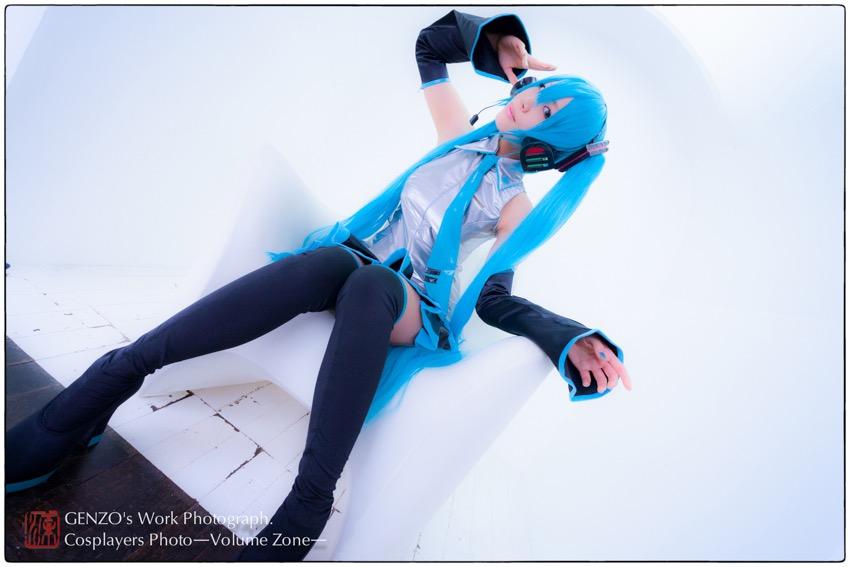 Miku_Hatsune-4.jpg