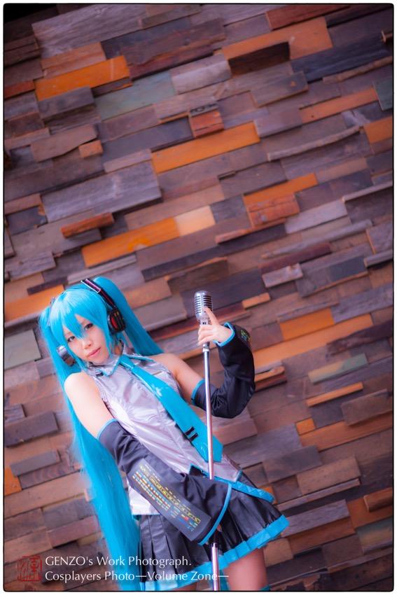 Miku_Hatsune-10.jpg