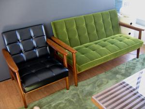 カリモク60グリーン&ブラック