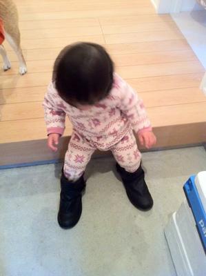 優ちゃん_靴履く01
