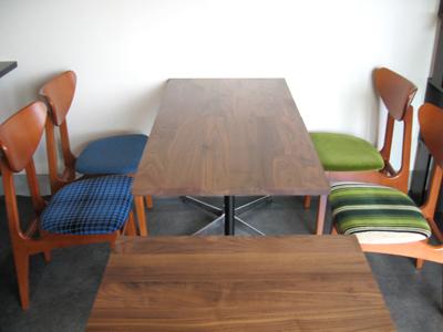 テーブル搬入01