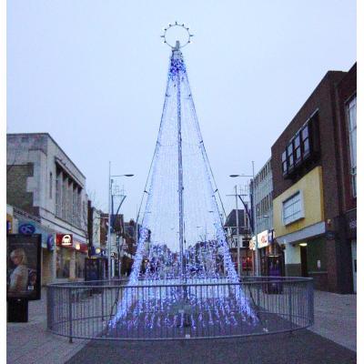 町のクリスマスツリー