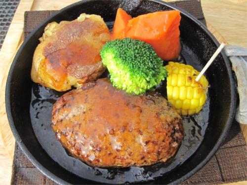 玉ねぎソースのハンバーグステーキ