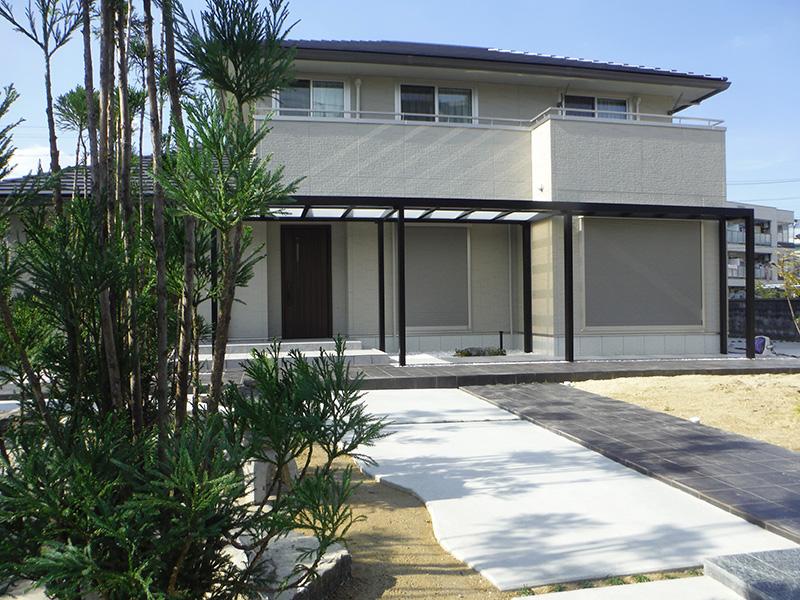 M邸外構、新築の建物に対して広大な外構のプランニングです