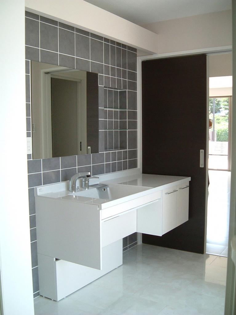 名東区の家洗面室