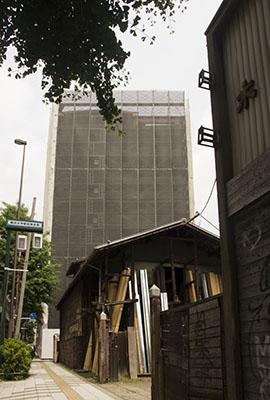 外壁工事の防護網