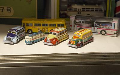 ミニチュア ボンネット型バス