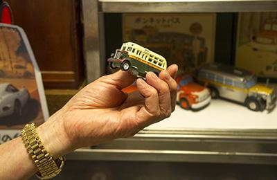 ボンネット型 ミニチュアバス