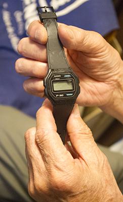 デジタル腕時計